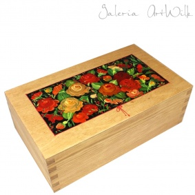 "Wooden box - ""Red roses"""