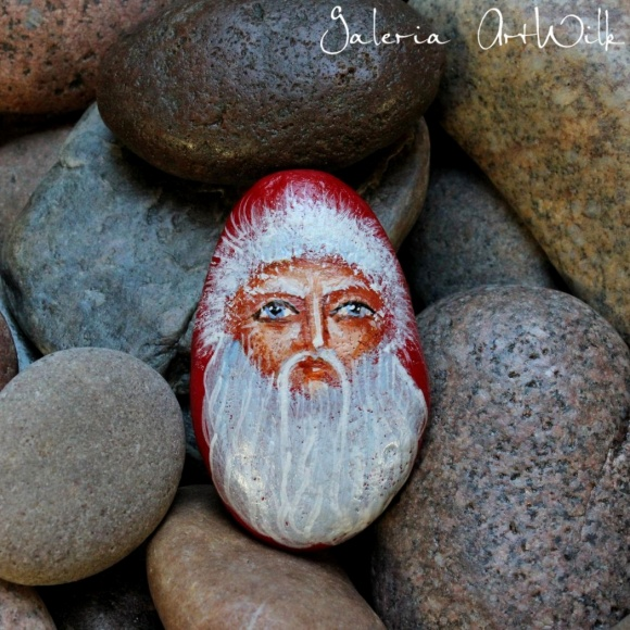 "Hand painted pebble ""Santa Claus"""