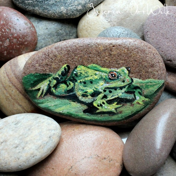 Hand painted pebble with frog