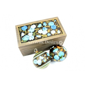 Collection of 2 glass balls in wooden box