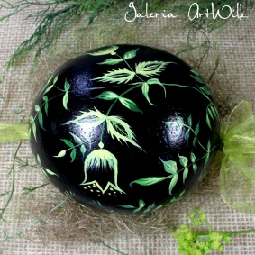 Ostrich easter egg, hand painted 1